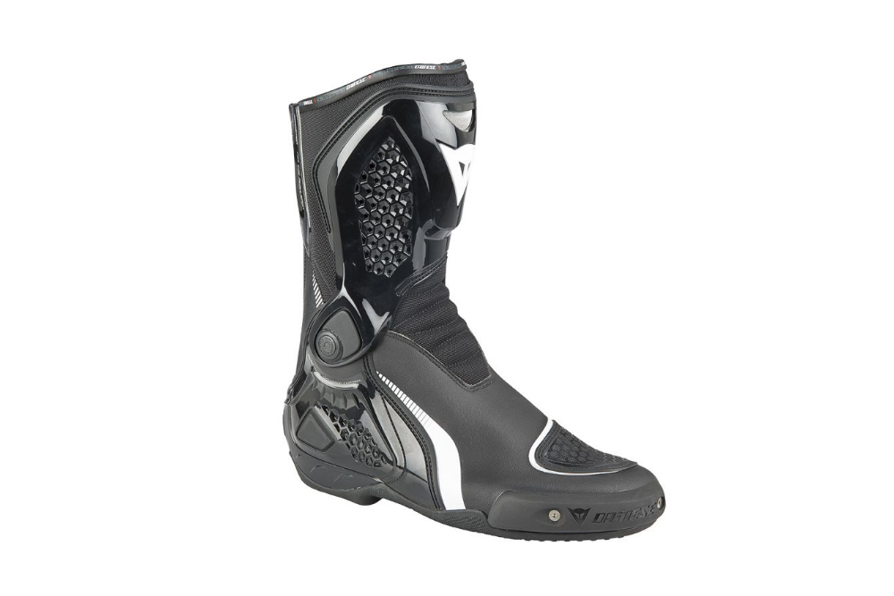 Zelao Confira o review exclusivo da bota Dainese TR-Course Out