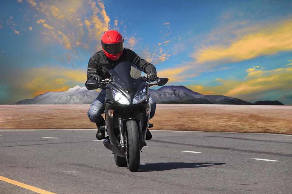 itens de segurança para quem anda de moto